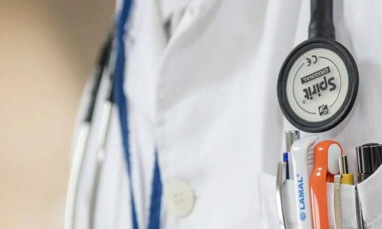 Σκάνδαλο: Γιατρός διέρρευσε γυναικολογικές εξετάσεις σε site πορνό