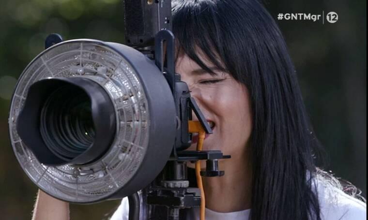 GNTM: Η Ζενεβιέβ σε ρόλο φωτογράφου - Ποιες κατάφεραν να δαγκώσουν το μήλο και να κερδίσουν;