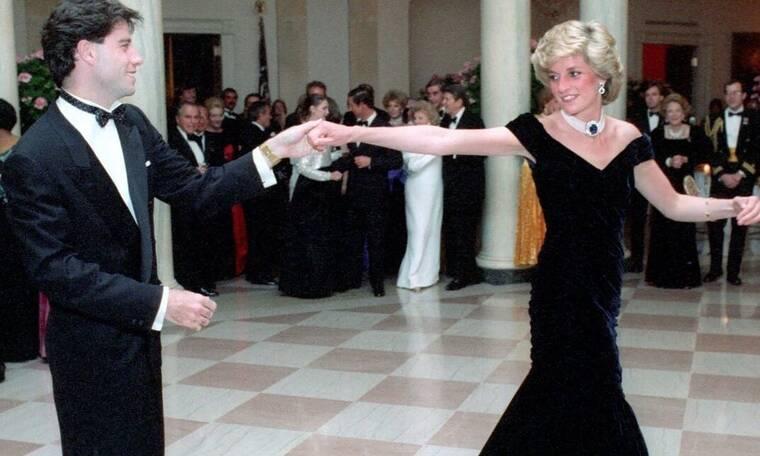 Πριγκίπισσα Νταϊάνα: Σε δημοπρασία το φόρεμα από τον χορό με τον Τζον Τραβόλτα (Photos)