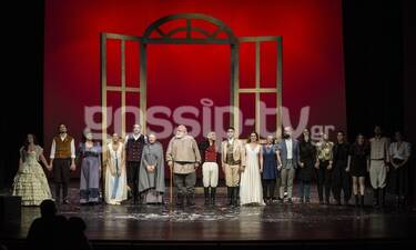 Πόλεμος και Ειρήνη: Καζάκος- Γεννατάς- Δαδακαρίδης- Πατεράκη: Ήταν όλοι εκεί στην επίσημη πρεμιέρα