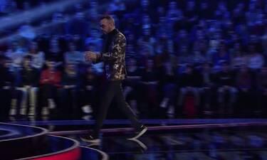 The Voice: Εδώ βλέπετε τον Μουζουράκη να πηγαίνει στη σκηνή-Δείτε και τι έκανε και θα μείνετε άφωνοι