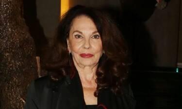 Μπέτυ Λιβανού: «Είμαι συμφιλιωμένη με τη φθορά αλλά και το θησαυρό εμπειριών που προσφέρει ο χρόνος»