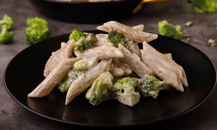 Αυτή την πεντανόστιμη συνταγή πρέπει να την δοκιμάσεις: Broccoli chicken pasta