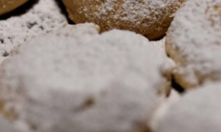 Αυτή είναι η συνταγή για τους κουραμπιέδες του Λευτέρη Σουλτάτου