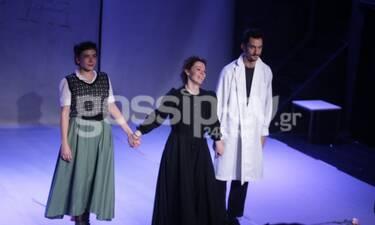 Πλήθος επωνύμων στην παράσταση «Η απολογία της Μαρί Κιουρί» (Photos)