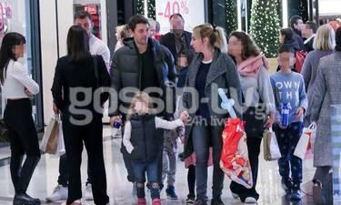Τότσικας - Ρέβη: Χριστουγεννιάτικες αγορές με τα παιδιά τους - Δείτε πώς μεγάλωσαν τα δίδυμα (Pics)