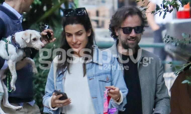 Σωτηροπούλου – Μαραβέγιας: Βόλτα στο κέντρο της Αθήνας μετά την είδηση ότι παντρεύονται (Photos)