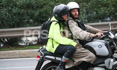 H Ζενεβιέβ όπως δεν την έχετε ξαναδεί! Χαμογελαστή, άβαφη και… easy rider με τον σύζυγό της (photos)