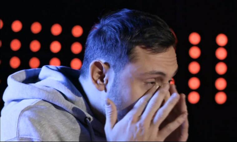 X Factor τελικός:  Δεν άντεξε και έβαλε τα κλάματα ο Γιάννης Γρόσης! Συγκλονιστική η ερμηνεία του!
