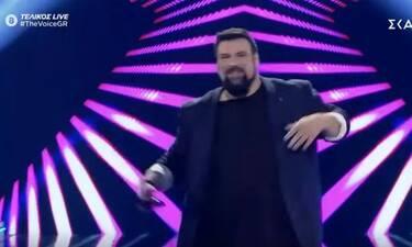 The Voice τελικός: Εντυπωσίασε ο Κωνσταντίνος Τσιμούρης (Video)
