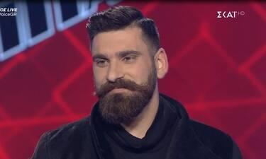 The Voice τελικός: Ο Κωνσταντίνος Χειλάς ξεσήκωσε με τραγούδι του Ξυλούρη