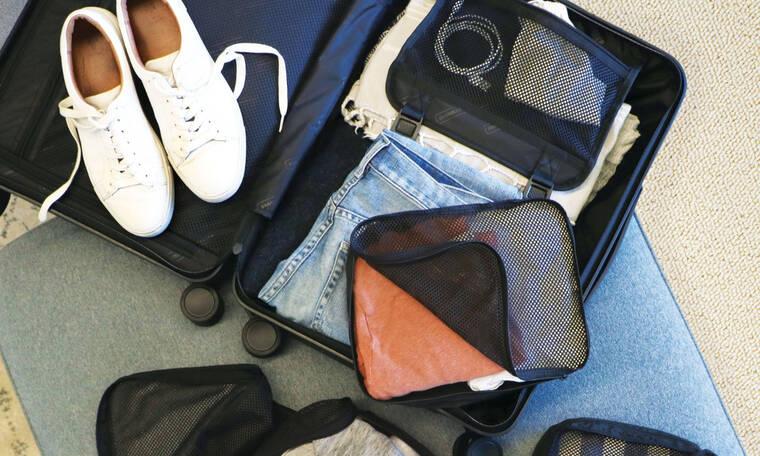 Αυτά τα κομμάτια πρέπει να έχεις στη βαλίτσα σου για τις διακοπές των Χριστουγέννων