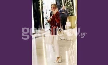 Κωνσταντίνα Σπυροπούλου: Οι χριστουγεννιάτικες αγορές και ο χαιρετισμός στους παπαράτσι (Photos)