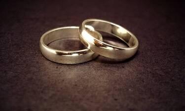 Όλα του γάμου... μυστικά και η νύφη… εγκυμονούσα! Διάσημο ζευγάρι παντρεύτηκε κρυφά (Photos)