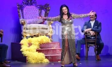 Θέατρο Αθηνά: «Happy Birthday Ελλάς»: Μια παράσταση που αξίζει να δεις! (Photos)