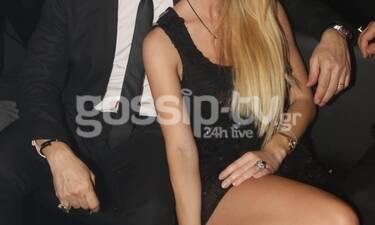 Ερωτευμένοι σαν νιόπαντροι! Σπάνια δημοσία έξοδος για το ζευγάρι της Ελληνικής showbiz! (Photos)
