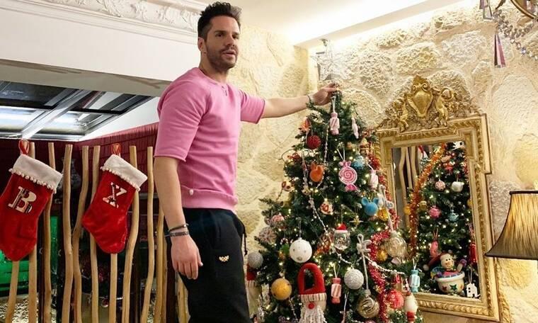 Γιώργος Τσαλίκης: Η χριστουγεννιάτικη φωτό με τη σύζυγο και τα παιδιά του που μας μπέρδεψε! (Photos)