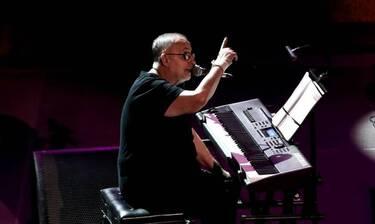 Θάνος Μικρούτσικος: Ο πολιτικός κόσμος αποχαιρετά με συγκίνηση τον μεγάλο μουσικοσυνθέτη (Photos)