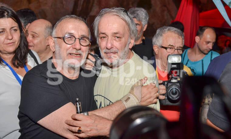 Θάνος Μικρούτσικος: Συγκλονίζει το πρώτο μήνυμα του Ανδρέα για τον χαμό του αδελφού του (photos)