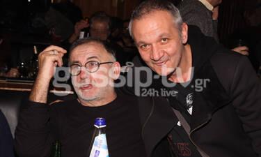 Θάνος Μικρούτσικος: Ο Χρήστος Θηβαίος αποχαιρετά συντετριμμένος τον πρώην πεθερό του! (photos)
