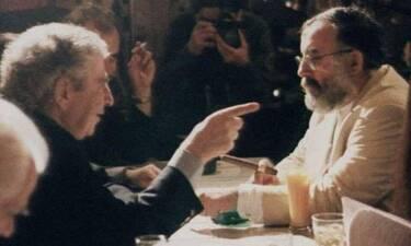 Ο Μίκης Θεοδωράκης αποχαιρετά τον Θάνο Μικρούτσικο και προκαλεί ανατριχίλα (Photos)