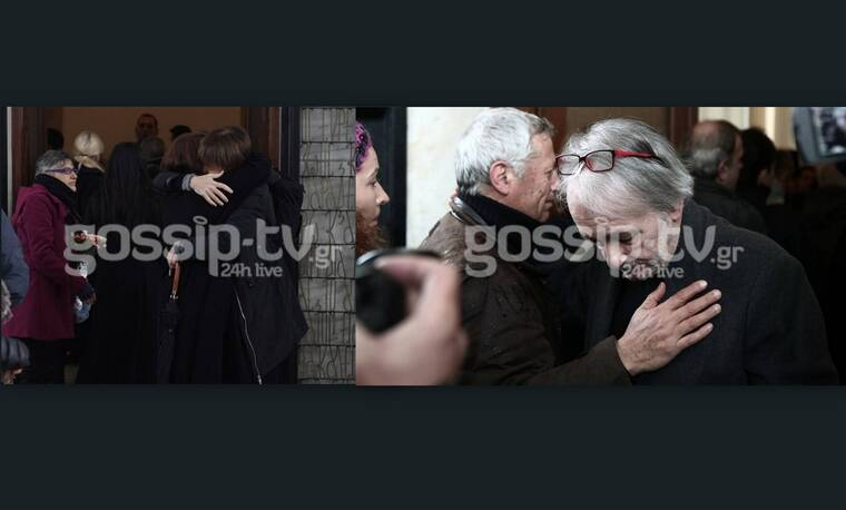 Κηδεία Μικρούτσικου: Συντετριμμένη η οικογένεια του σπουδαίου συνθέτη (Photos)