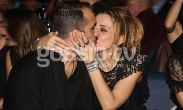 Τα πρώτα καυτά φιλιά για τη νέα χρονιά από το ερωτευμένο ζευγάρι! (photos)