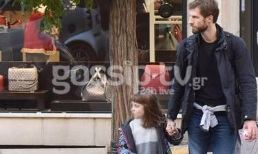 Μάξιμος Μουμούρης: Ο πιο τρυφερός μπαμπάς! Δείτε τον με μία από τις τρεις κόρες του! (photos)