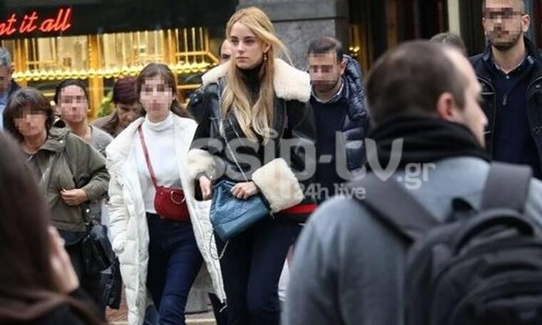 Δούκισσα Νομικού: Η βόλτα στο κέντρο της Αθήνας και το look που αξίζει να αντιγράψεις (Photos)