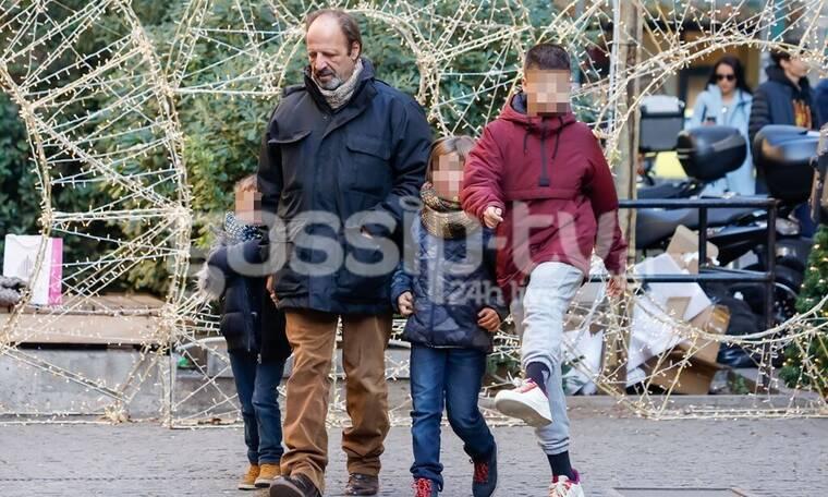 Ο Δημήτρης Αποστόλου σε σπάνια δημόσια εμφάνιση με τους δύο γιους του (photos)