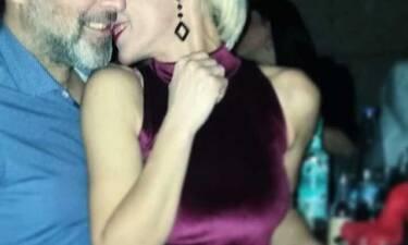 Ξανά ερωτευμένη μετά το διαζύγιό της γνωστή Ελληνίδα τραγουδίστρια και ηθοποιός; Οι τρυφερές φωτό