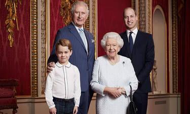 Πονηρευόμαστε εμείς: Μήπως αυτή η φωτογραφία ήταν η αιτία της παραίτησης των Sussexes;
