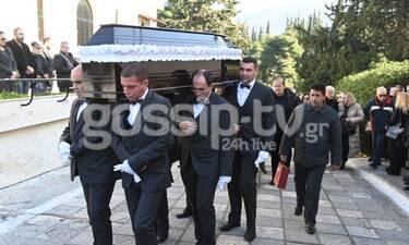 Κηδεία Έρρικας Μπρόγιερ: Θλίψη στο τελευταίο «αντίο»  (Photos)
