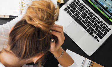 Αυξημένος ο κίνδυνος «κρυφής» υπέρτασης αν δουλεύεις πολλές ώρες