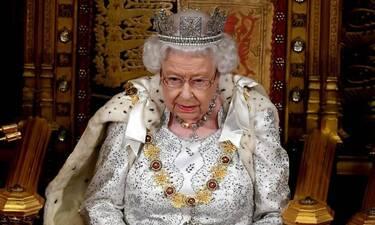 Η Βασίλισσα Ελισάβετ «κούνησε το μαντήλι» στον πρίγκιπα Χάρι!