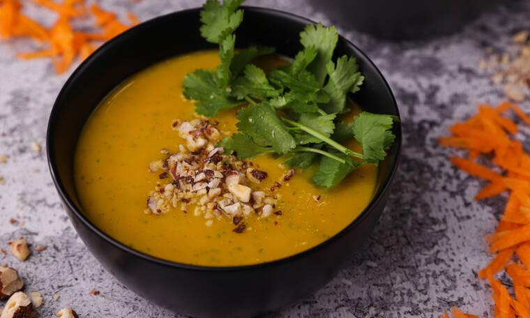 Πεντανόστιμη σούπα με καρότο, πατάτες και κόλιανδρο