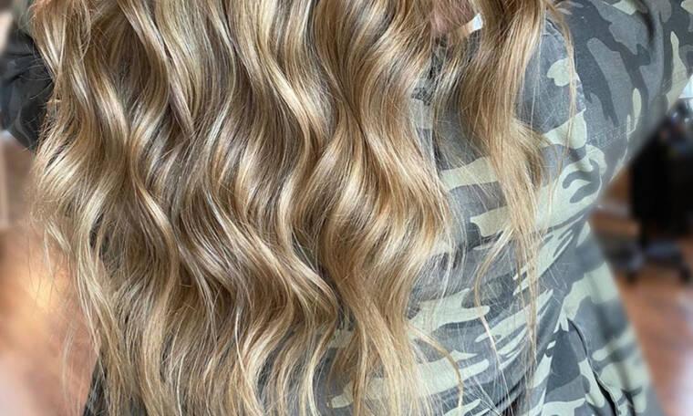 «Πώς να βάψω τα μαλλιά μου«»; Aυτό είναι το ξανθό που θα έχουν όλες οι γυναίκες φέτος