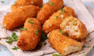 Πεντανόστιμες κροκέτες με ζαμπόν και τυρί