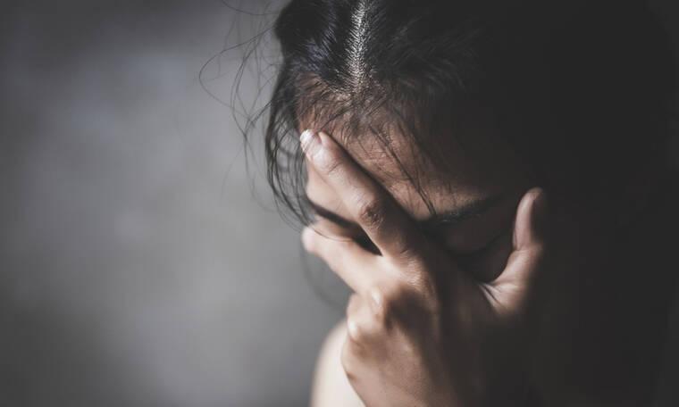Οι 7 συνήθειες που αυξάνουν τον κίνδυνο κατάθλιψης (εικόνες)