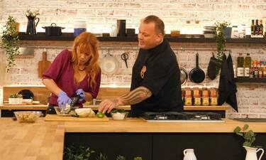 Food N' Friends: Aυτή την Κυριακή (19/1) η Μυρτώ Αλικάκη μαγειρεύει με τον Δημήτρη Σκαρμούτσο!