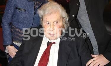 Μίκης Θεοδωράκης: Σπάνια δημόσια εμφάνιση! Πού τον εντοπίσαμε μετά από καιρό; (Photos)