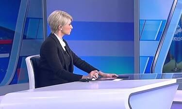 Σία Κοσιώνη: Η στιλάτη εμφάνιση στο δελτίο ειδήσεων και το αξεσουάρ που μας απογοήτευσε! (Photos)