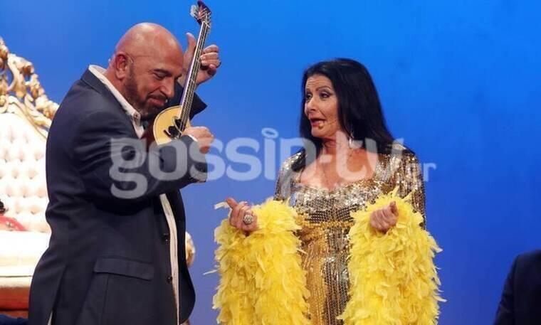 Θέατρο Αθηνά: Happy Birthday Ελλάς: Η παράσταση που θα σε κάνει να περάσεις υπέροχα (photos)