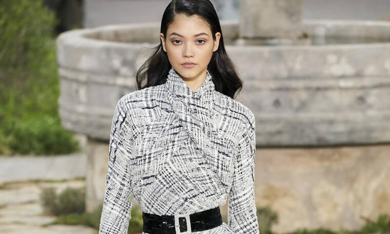 Η νέα συλλογή της Chanel αποθεώνει το λευκό και το μαύρο