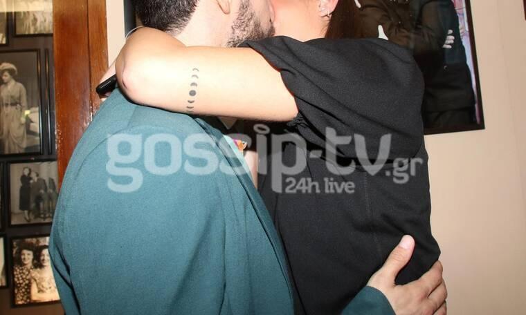 Ζευγάρι της ελληνικής showbiz μόλις απέκτησε το πρώτο του παιδί (Photos & Video)