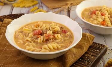 Σούπα με κιμά και βίδες από τον Τσούλη!