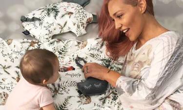 Πηνελόπη Αναστασοπούλου: Θα πάθετε πλάκα με τη νέα φώτο της 14 μηνών κόρη της (pics)
