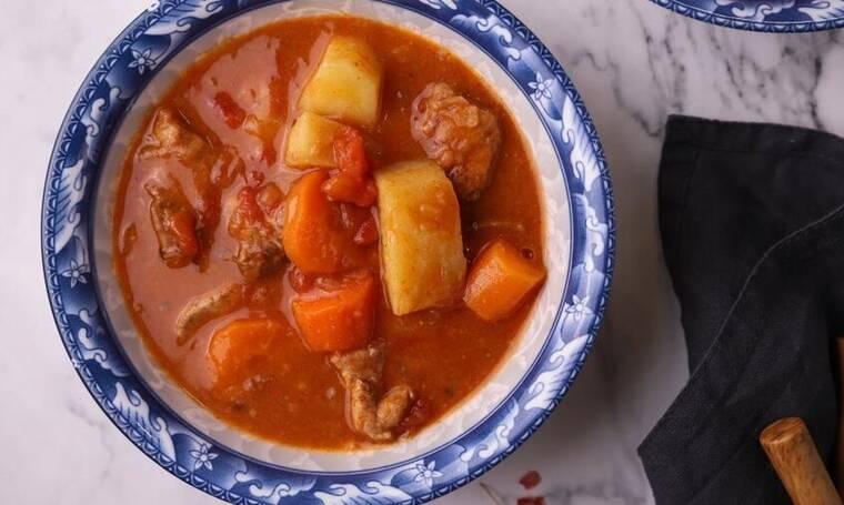 Σούπα Γκούλας (Goulash) από τον Γιώργο Τσούλη