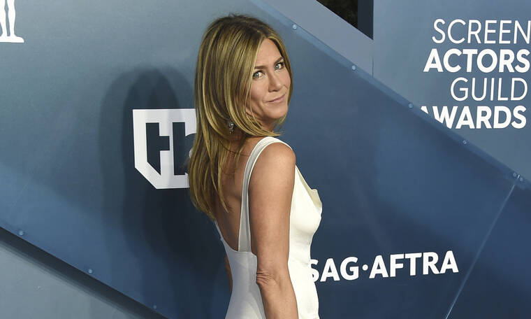 Η Jennifer Aniston είπε ότι αγαπάει τον Brad Pitt κι εμείς «ουρλιάζουμε»