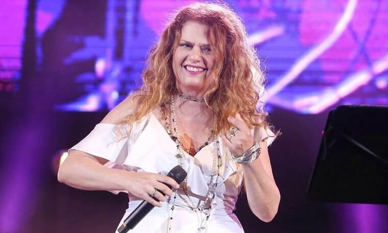 Ελένη Τσαλιγοπούλου: «Το τραγούδι μου έδωσε πολλά, αλλά μου στέρησε την ενηλικίωση»
